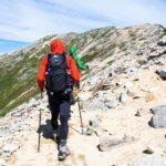 トレッキングポールを使った登山